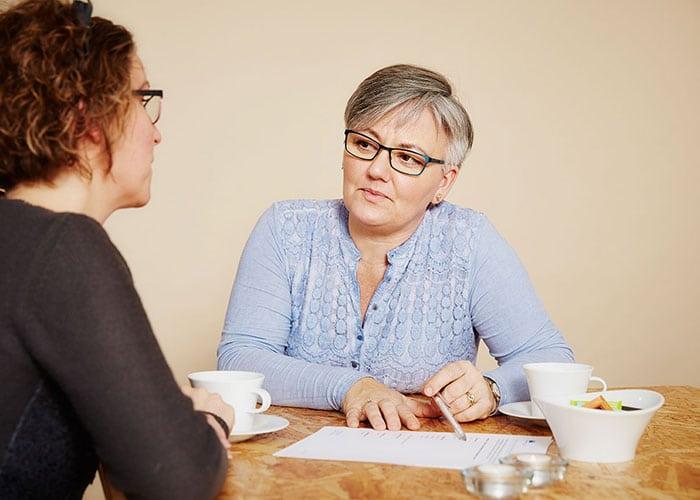 klient får rådgivning til sin skilsmise - skilsmisse rådgivning