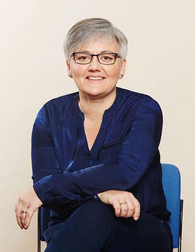 Jeg sidder klar til at hjælpe dig - Bettina Vestergaard